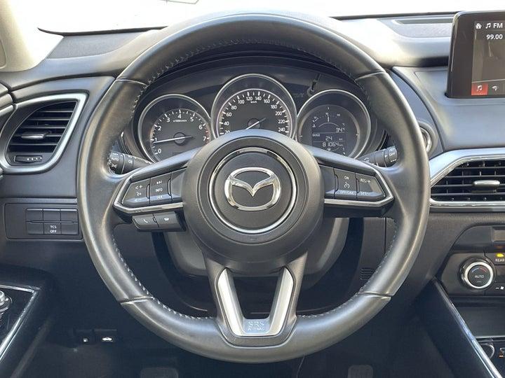 Mazda CX-9-STEERING WHEEL CLOSE-UP