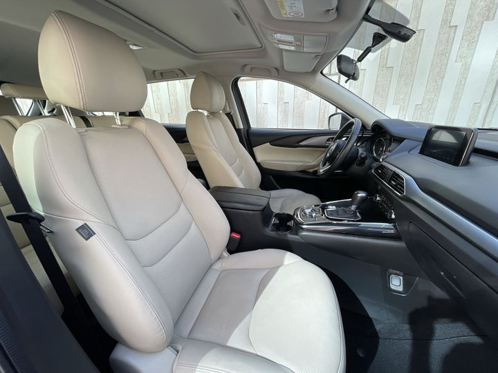 Mazda CX-9-RIGHT SIDE FRONT DOOR CABIN VIEW