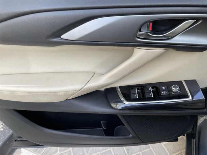 Mazda CX-9-DRIVER SIDE DOOR PANEL CONTROLS
