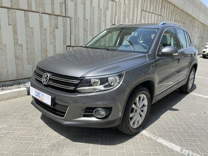 Volkswagen Tiguan-LEFT FRONT DIAGONAL (45-DEGREE) VIEW