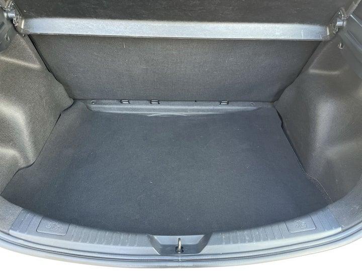 Toyota Yaris-BOOT INSIDE VIEW