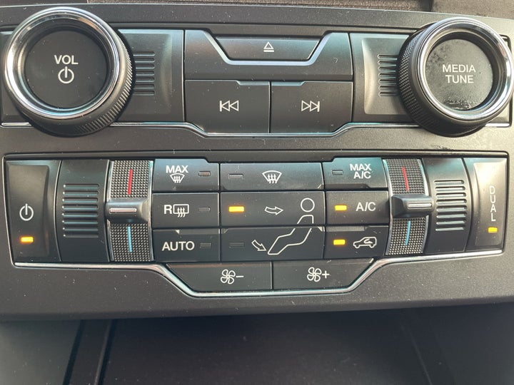 Ford Explorer-AUTOMATIC CLIMATE CONTROL