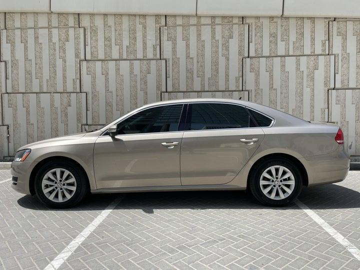 Volkswagen Passat-LEFT SIDE VIEW