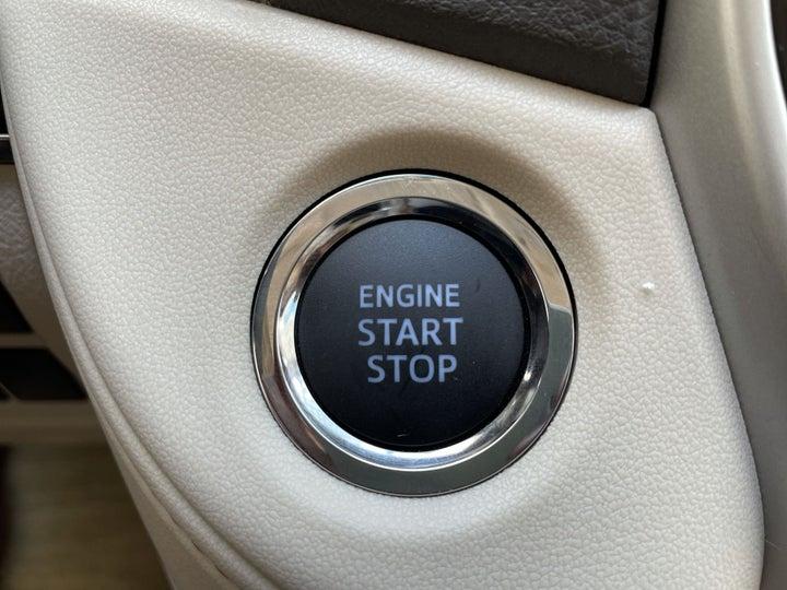 Toyota Landcruiser-KEYLESS / BUTTON START