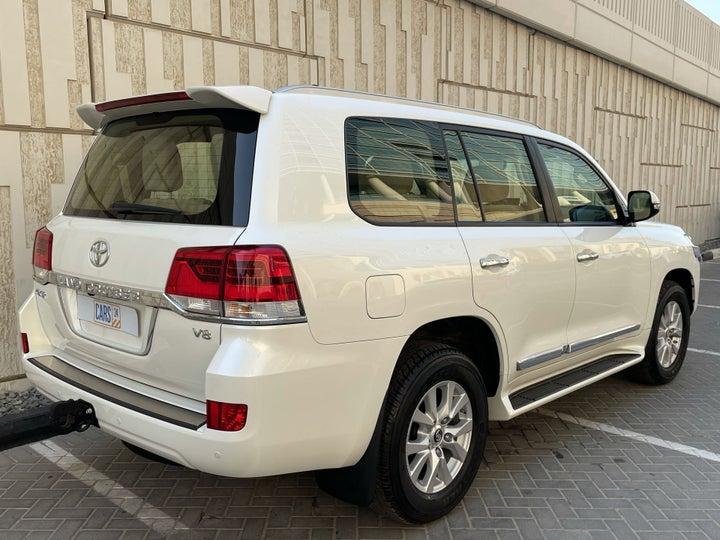 Toyota Land Cruiser-RIGHT BACK DIAGONAL (45-DEGREE VIEW)