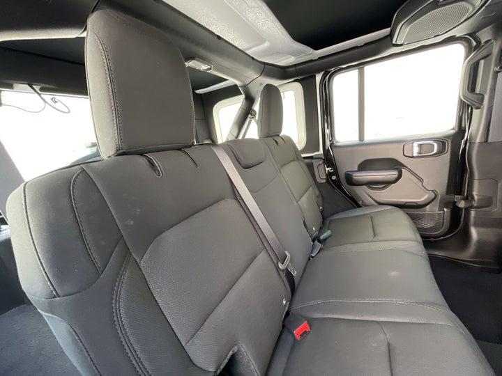 Jeep Wrangler-RIGHT SIDE REAR DOOR CABIN VIEW