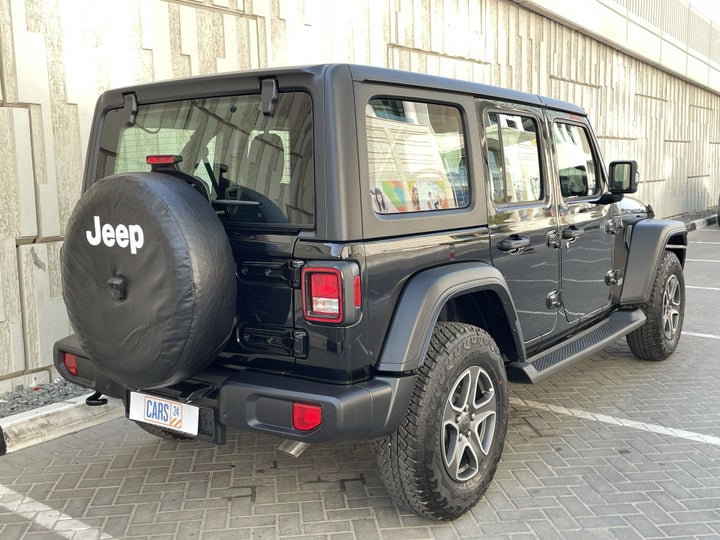 Jeep Wrangler-RIGHT BACK DIAGONAL (45-DEGREE VIEW)