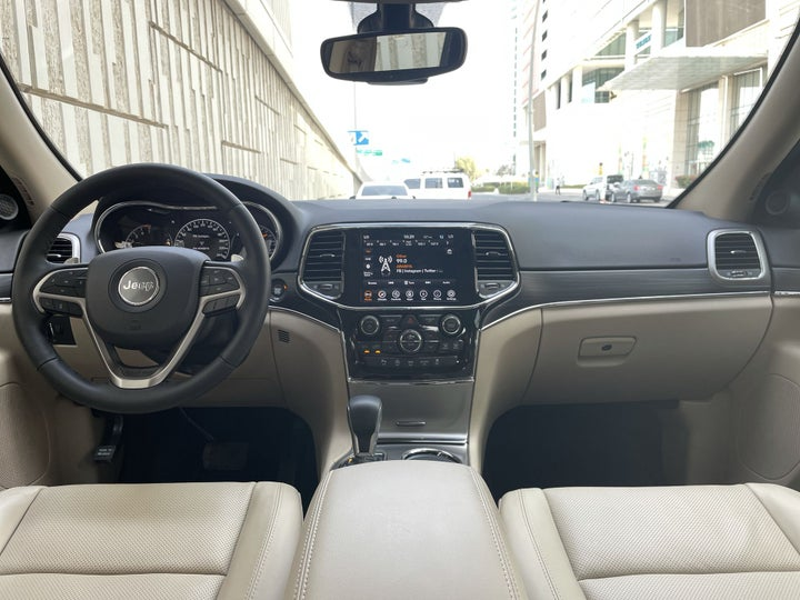 Jeep Grand Cherokee-DASHBOARD VIEW