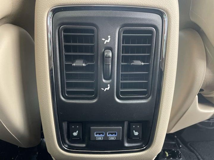 Jeep Grand Cherokee-REAR AC VENT
