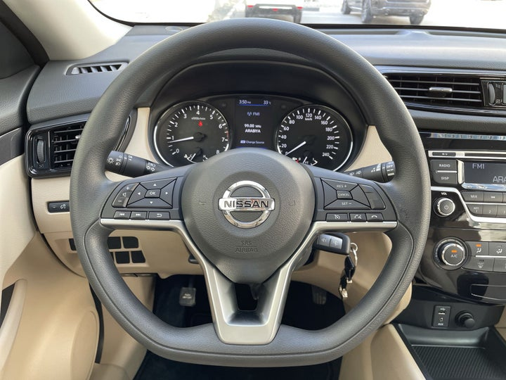 Nissan X-Trail-STEERING WHEEL CLOSE-UP