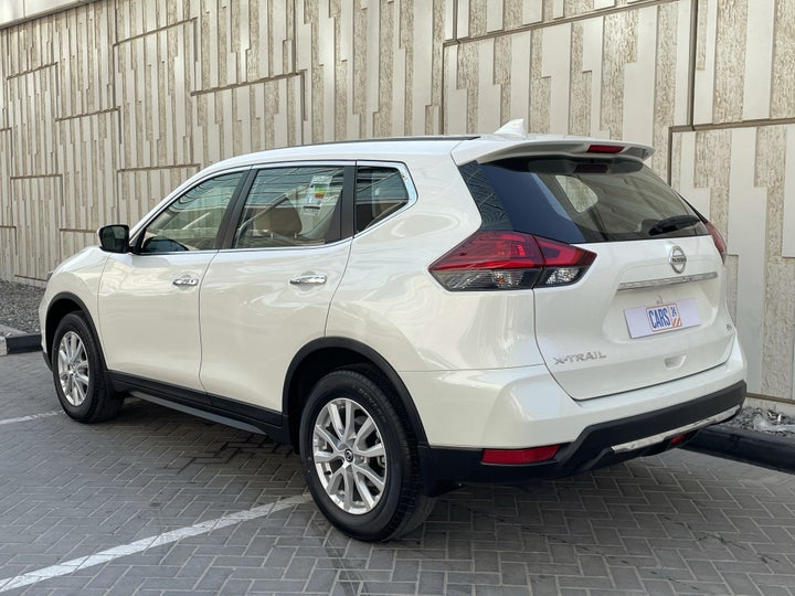 Nissan X-Trail-LEFT BACK DIAGONAL (45-DEGREE) VIEW