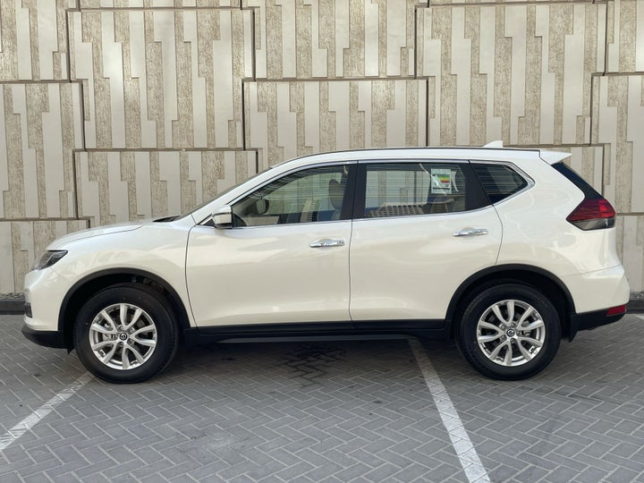 Nissan X-Trail-LEFT SIDE VIEW