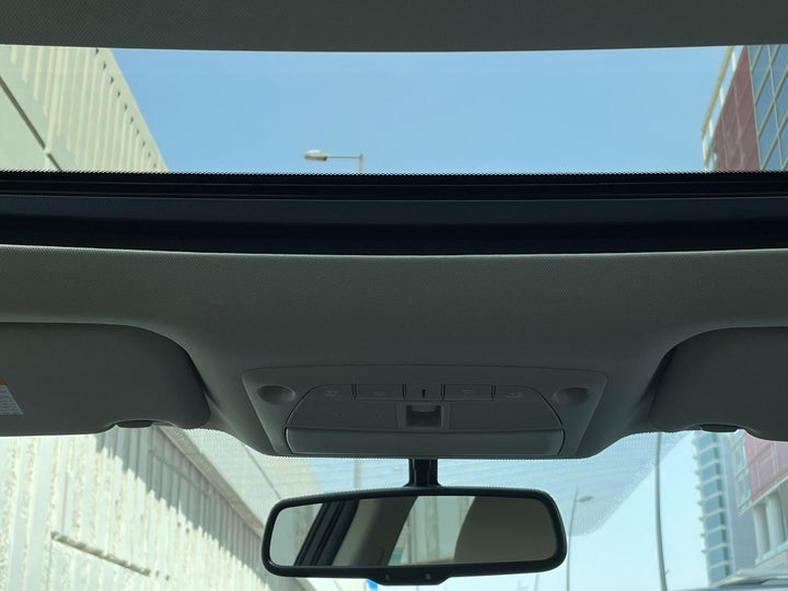 Nissan Maxima-INTERIOR SUNROOF / MOONROOF