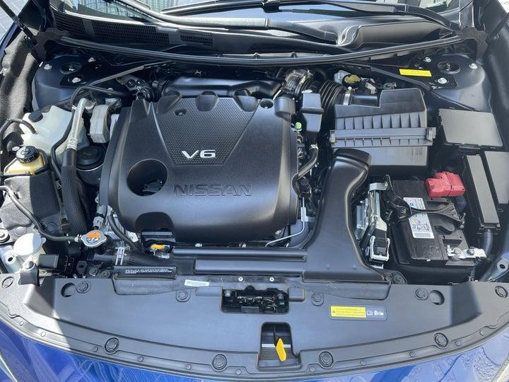 Nissan Maxima-OPEN BONNET (ENGINE) VIEW