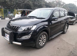 2016 Mahindra XUV500 W10 AT