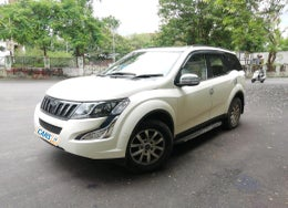 2016 Mahindra XUV500 W10 AT AWD