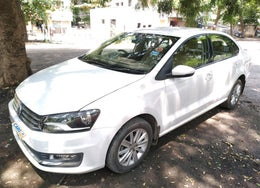 2016 Volkswagen Vento HIGHLINE TDI AT