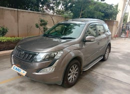 2017 Mahindra XUV500 W10 AT