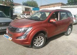 2016 Mahindra XUV500 W10 AT