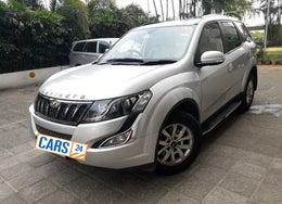 2017 Mahindra XUV500 W10 AT