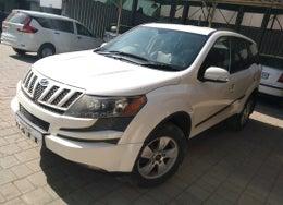 2013 Mahindra XUV500 W8 FWD