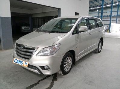 2013 Toyota Innova 2.5 VX 8 STR BS IV
